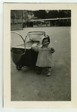 PHOTO ANCIENNE - ENFANT LANDAU PARC RIRE - CHILD LAUGHING - Vintage Snapshot