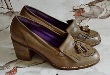 CLARKS light brown LEATHER loafers HEELS 1970's retro CHUNKY HEEL fringe 5 38