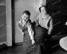 Negativ-Darmstadt-Geschwister-Spiel-Mode-Vintage-girl-boy-playing-1930er-Jahre-4