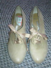 Clarks Softwear Women's shoes at size UK3.5.