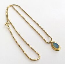 A Beautiful Ladies Hallmarked Vintage 18ct Gold Opal Pendant On 18ct Box Chain