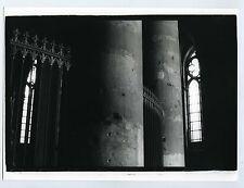 Photo noir & blanc ENGLAND scène de genre intérieur cathédrale Ombre & Lumière