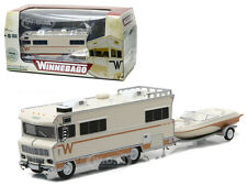 1973 WINNEBAGO CHIEFTAIN AND BOAT WITH BOAT TRAILER 1/64 GREENLIGHT 51082