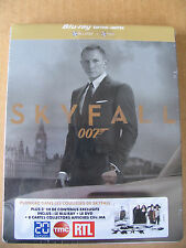 SKYFALL JAMES BOND BLU RAY & DVD LIMITED EDITION STEELBOOK ( MOVIE CARDS)