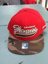Calgary Flames, Hat, NHL Fan Gear, Adult,  Mens Fitted, Reebok Faceoff