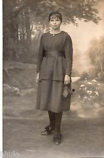 BL472 Carte Photo vintage card RPPC Femme mode fashion robe dress sac à main Bag