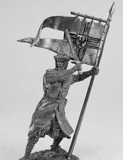 tin toy soldiers unpainted  54mm   Teutonic knight with banner