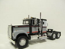 TOP SHELF 1/64 SCALE INTERNATIONAL 4300 BLACK, GRAY, WHITE (SAME SCALE AS DCP)