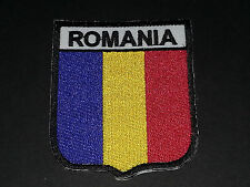 BACKPACKERS NATIONAL COUNTRY SHIELD FLAG SEW/IRON ON PATCH:- ROMANIA