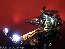 Hot Toys 1/6th Scale Delorean Time Machine - Back to the Future