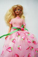 POUPEE mannequin BARBIE vintage ROBE princesse FRAISE BO bague !
