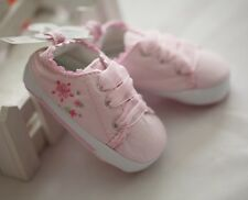 Newborn Flower Embroidery Pink low tops Baby Girls Shoes Size 0-12mos Size 1/4