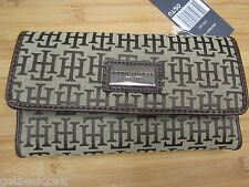 NEW TOMMY HILFIGER WALLET CHECKBOOK ID $39 Retail Brown Tan TH Logo