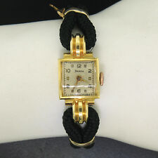 Vintage Helvetia 18K Yellow Gold Petite Ladies' 18 Jewel Dome Mechanical Watch