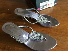 moda in pelle Thong Diamanté Sandal Size 5