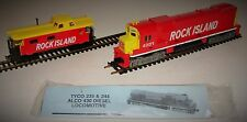 TYCO HO Scale ROCK ISLAND #4301 Diesel Locomotive Engine & Caboose w/ Boxes