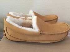 UGG ASCOT WHEAT WP NUBUCK/ SHEEPSKIN SLIPPERS  MENS US 10 Fit 9 Or 9.5