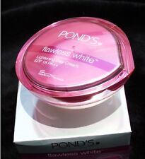 POND'S FLAWLESS WHITE LIGHTENING DAY CREAM WITH GEN-ACTIVE SPF18 PA++ 50G