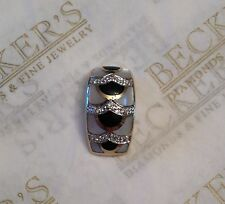 14k yg Slide Pendant Inlay Mother of Pearl & Black Onyx with 9 Diamonds .05 ctw