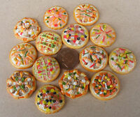 1:12 Scale Single Small Pizza Dolls House Miniature Food Kitchen Shop Accessory