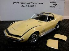 DANBURY MINT 1969 CHEVY CORVETTE ZL-1 COUPE..1:24..NIB..UNDISPLAYED..RARE MINT
