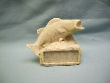 "FISH  trophy resin ""rock"" style GR060"