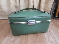 Vintage 1960's Invicta Faux Leather Green Makeup Case/Suitcase #2187