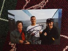 "6"" x 4"" HAND SIGNED F1 PHOTO - DAVID COULTHARD - WITH FANS"