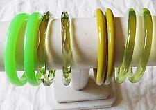 VINTAGE LUCITE PLASTIC VARIOUS GREENS COLOURS BANGLE BRACELET COLLECTION 8 WOW