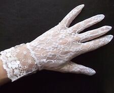 WOMENS LACEY NET SHORT STYLE GLOVES VINTAGE 1970s 1980s WHITE SIZE 6.5 - 7 S M