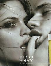 Publicité Advertising 2001  Parfum  GUCCI  ENVY  un parfum pour femme