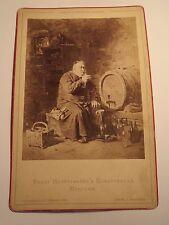 E. Grützner - Johannesberger - Mönch mit Wein / KAB