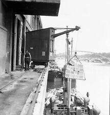 PARIS c. 1950 - Le Port Grue Chargement Bateau - Négatif 6 x 6 - N6 P117