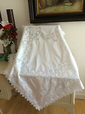 VINTAGE ITALIAN LINEN TABLECLOTH TOPPER WHITE OPEN & DRAWN WORK DOVES CULTURAL