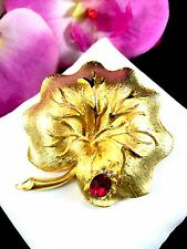 WHIMSICAL MAMSELLE GOLD-TONE RUBY RED RHINESTONE LANDY BUG LILY PAD LEAF BROOCH