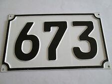 Blech-Hausnummer Nr. 673 schwarze Zahl auf weisser Hintergrund 19 cm x 11 cm