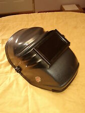 Welding Helmet Dark Before the Arc. 100% CLEAR VIEW Great for Grinding. Chin Act