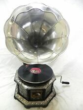 ANTIQUE OCTAGONAL GRAMOPHONE PHONOGRAPH CRAFTED MACHINE WITH PLAIN STEEL HORN