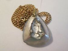 """VINTAGE CRYSTAL  RELIGIOUS CHRISTIAN MEDAL  PRAYING HANDS  18""""  NECKLACE CHAIN"""
