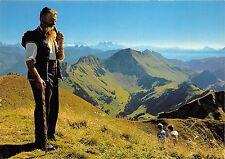 B73302 L armailli des grands monts Freiburger Senn folklore people