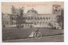 INDOCHINE COCHINCHINE SAIGON un pousse pousse devant le palais