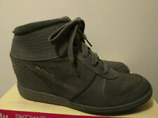 $75 Skechers +3 Charcoal Gray Grey Hidden Wedge Sneakers Booties Shoes 8.5 NEW
