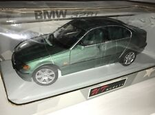 1998 BMW 328I Sedan Saloon Green 1/18 UT Models 20513 RARE !