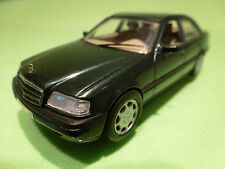 MINICHAMPS 32100 MERCEDES BENZ C220 - GREEN 1:43 - RARE SELTEN - EXCELLENT