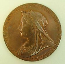 A GOOD QUEEN VICTORIA DIAMOND JUBILEE ROYAL MINT BRONZE MEDALLION