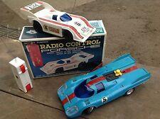 Due Vintage a batteria Porsche Auto da Corsa, uno in Scatola GIAPPONE 1970