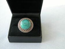 LOT 458 STUNNING LARGE GREEN TURQUOISE SOLID STERLING SILVER RING - SIZE I