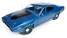 Auto World 1:18 1971 Plymouth GTX Hardtop Die-Cast Car AMM1065