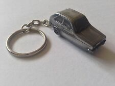 Reliant Robin Mk1 Saloon ref202 FULL CAR on a split-ring keyring