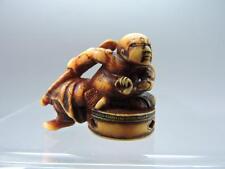 Been Antiguo Stag hueso japonés Netsuke De Figura Guerrero en la mesa.